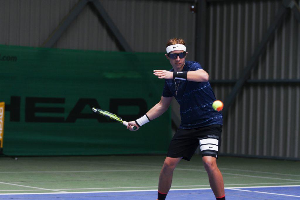 Evaluar la cadera dominante y la fijación en la bola